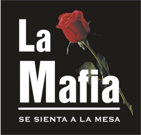 La Mafia se sienta en la mesa